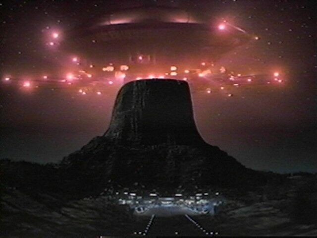 a film review of steven spielbergs close encounters Find album reviews, stream songs, credits and award information for music from the films of steven spielberg - city of prague philharmonic orchestra on allmusic - 2005 - silva screen records, which specializes in&hellip.
