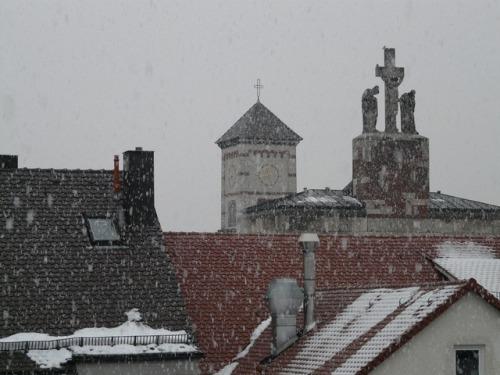 winter-city-snow-snowfall-snowflake-snowflakes