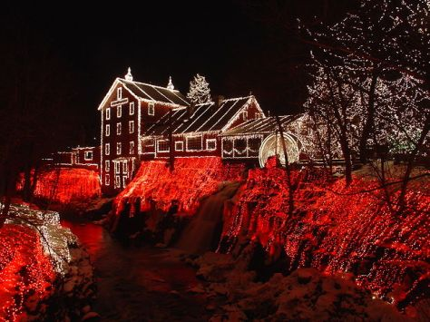 640px-Clifton_Mill_Christmas_2005