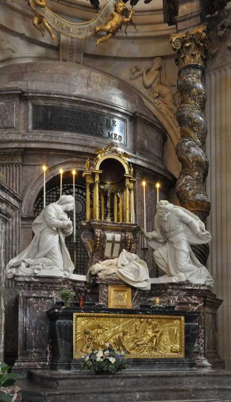 Altar_in_the_church_of_Val-de-Grâce,_Paris_5th_008