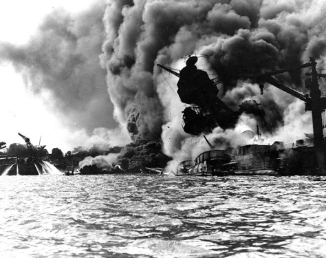 USS_Arizona_burning-Pearl_Harbor