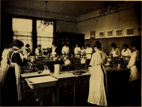 Bulletin_of_the_State_Normal_School,_Fredericksburg,_Virginia,_June,_1915_(1915)_(14597335148)