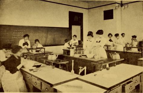Bulletin_of_the_State_Normal_School,_Fredericksburg,_Virginia,_June,_1917_(1917)_(14783915705)
