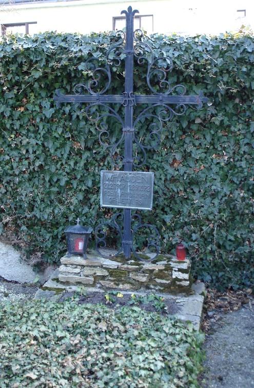 Auden's_grave