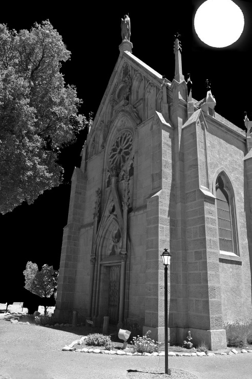 Scary_Church_at_Night_(7726430308)