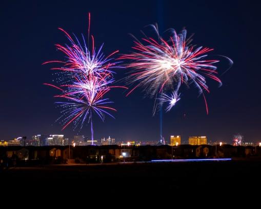2018_-_Fireworks_over_Vegas
