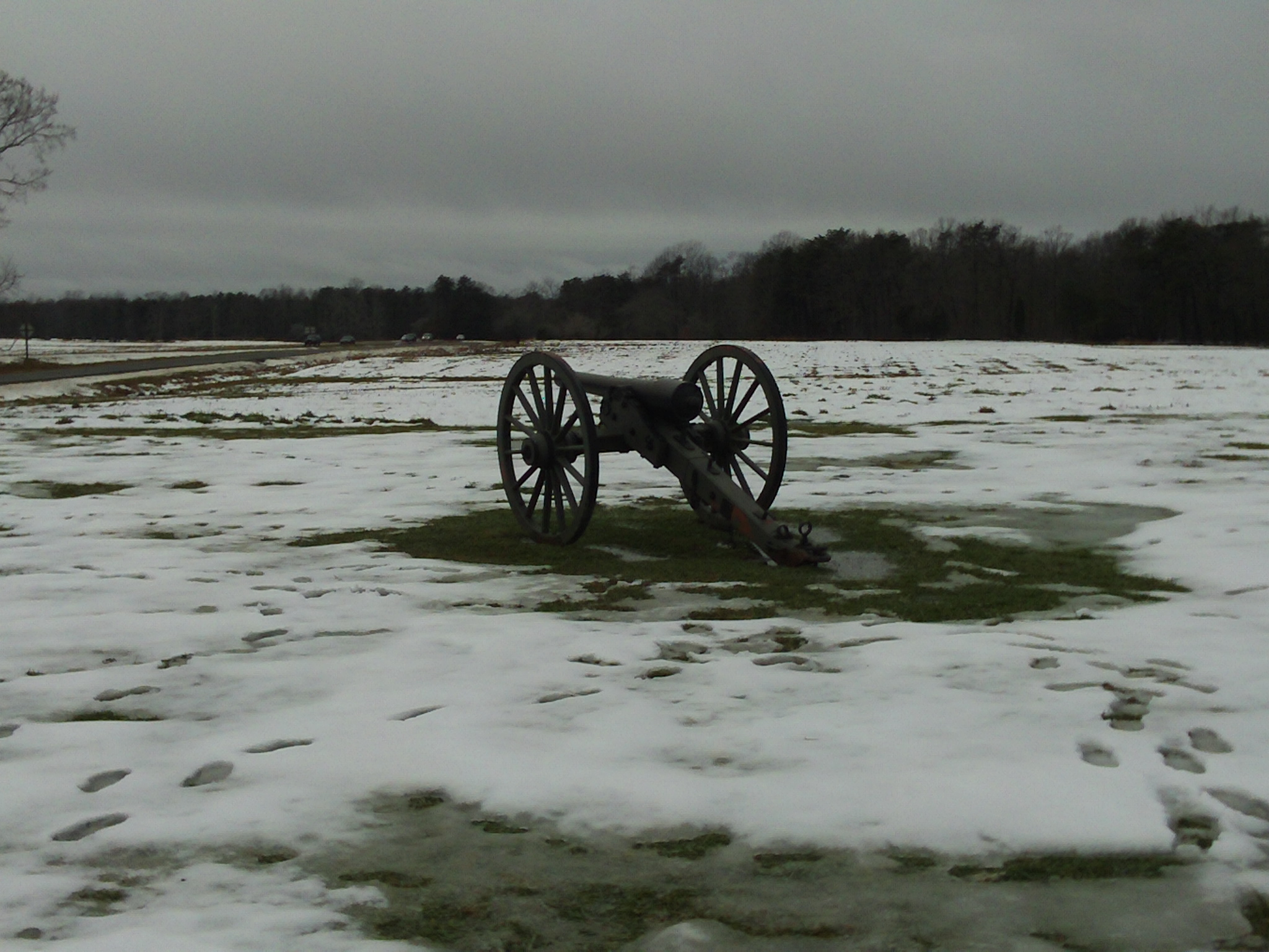 A_cannon_on_the_Chancellorsville_battlefield