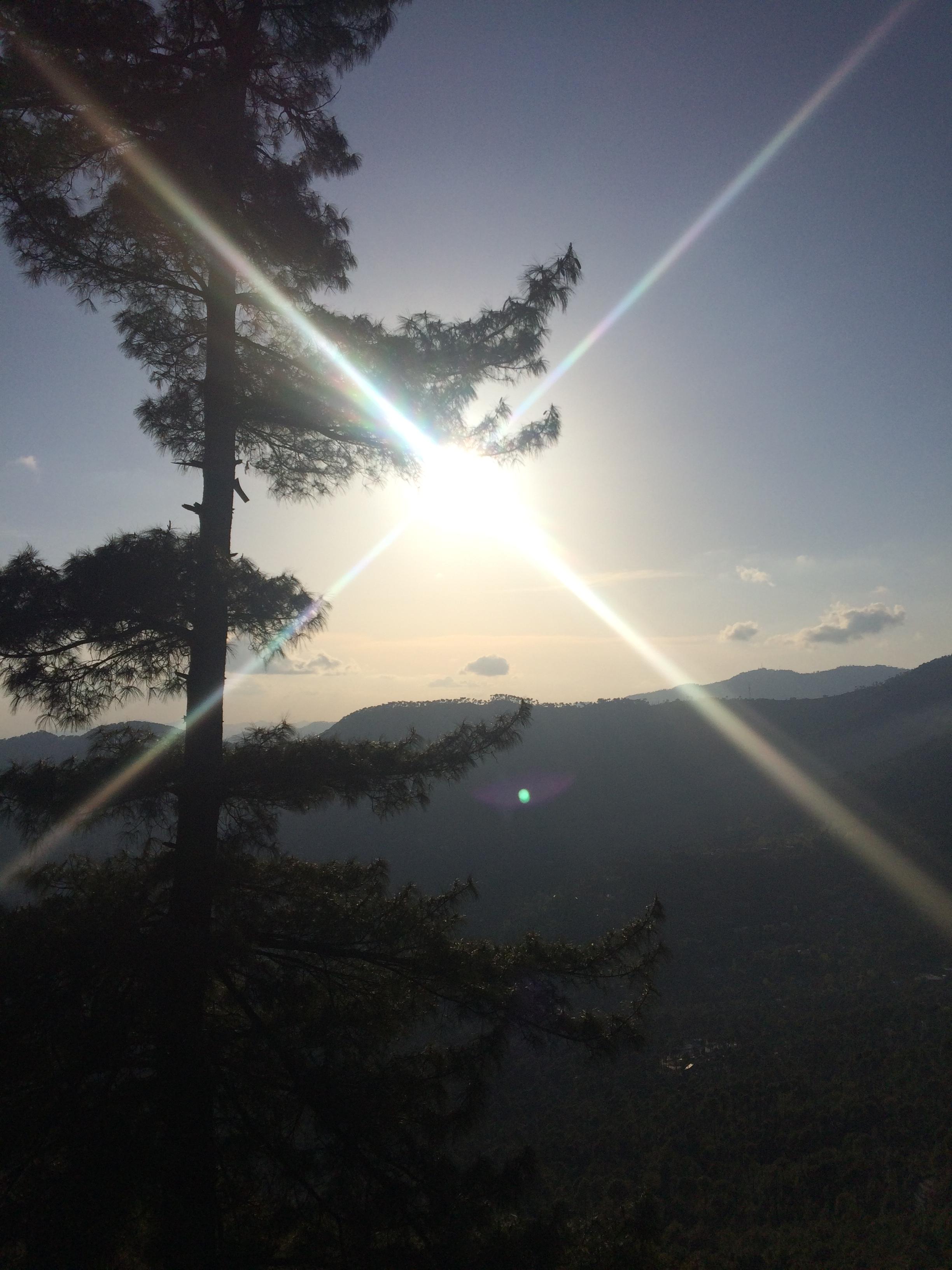 Sun_shining_in_murree