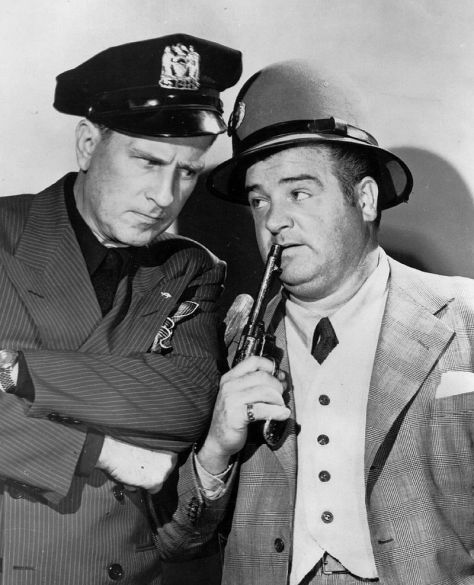 800px-Abbott_and_Costello_circa_1940s